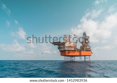 Mobile Offshore Drilling Unit, Jack Up Rig