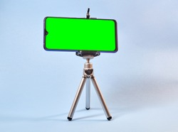 mobile tripod with green screen