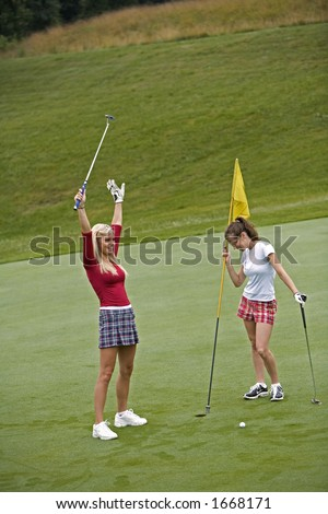 Model Release 351 Women in their early 20s playing golf