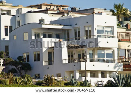 Modern Beach Home Exterior