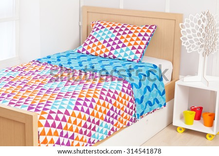 modern bedding set with geometric shapes