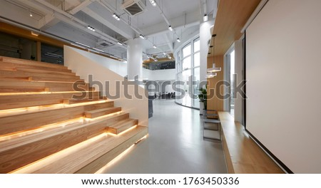 Modern comprehensive office interior, Open step classroom area
