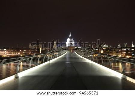 Modern foot bridge across the River Thames
