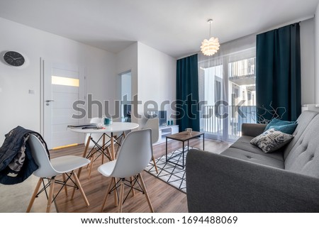 Modern living room with with scandinavian design furniture. Foto stock ©