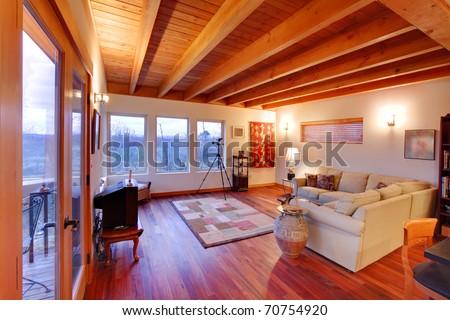 MOdern luxury living room with nice cherry hardwood floor in Seattle