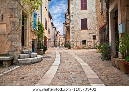Mons, Var, Provence, France: picturesque cityscape of the ancient village perched on the top of a mountain Photo stock ©