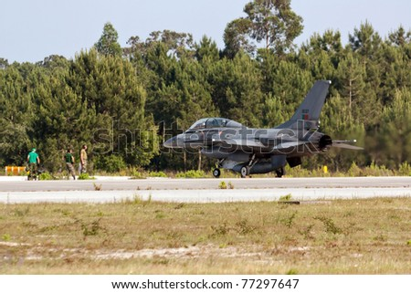 MONTE REAL, PORTUGAL-MAY 12: F16 Portuguese grounded with maintenance crew at Base N.5 MONTE REAL,integrated in Fap and Nato on May 12,2011 in Monte Real, Portugal
