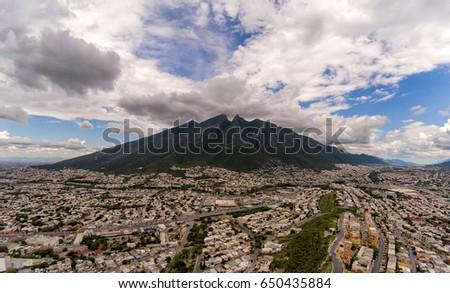Shutterstock Monterrey Cerro de la silla