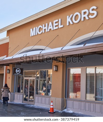 f4def10050e9 Michael Kors Outlet Store Locator Michael Kors Skorpios Shoulder Bag ...