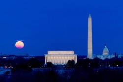 Moon rise over Lincoln Memorial, Washington Monument and U. S. Capitol Building on March 9, 2020, 2 by 3 aspect ratio