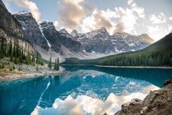Moraine Lake, Banff National Park, Alberta Canada