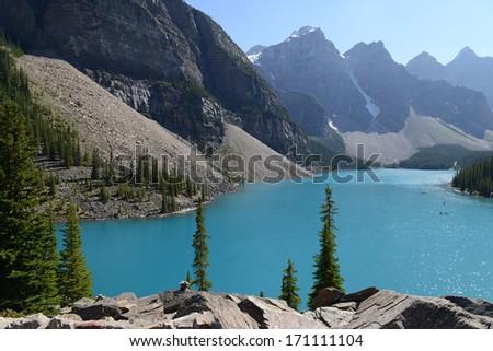 Moraine Lake in Lake Louise, Banff National Park, Alberta, Canada