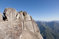 Moro Rock is a granite dome located in the center of the park, at the head of Moro Creek, between Giant Forest and Crescent Meadow.