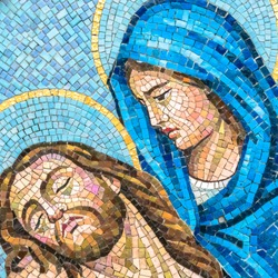 Mosaic depiction of Christ's body being in the arms of the Virgin Mary