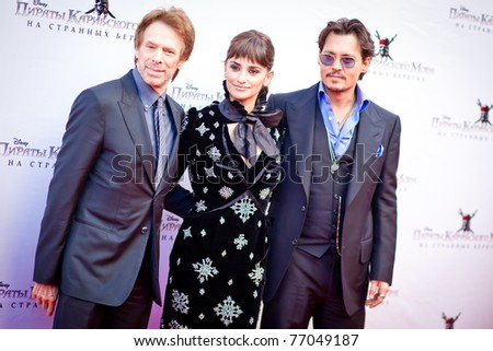 """MOSCOW - MAY 11: Johny Depp, Penelope Cruz and Jerry Bruckheimer arrive to the """"Pirates of the Caribbean: On Stranger Tides"""" Premiere on May 11, 2011, Moscow, Russia"""
