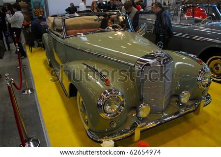 on Mercedes-Benz old-timer