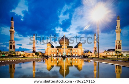 Mosque An Nuur, The Great Mosque of Pekan Baru, Riau, Indonesia Zdjęcia stock ©