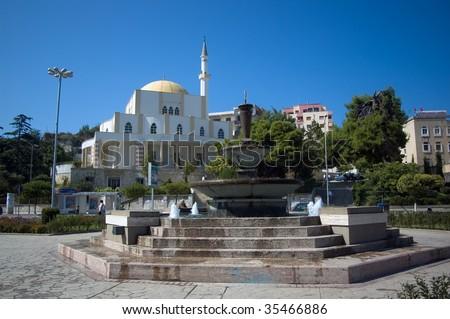 """Foto nga qyteti i """"Durresit"""" Stock-photo-mosque-and-fountain-durresi-albania-35466886"""
