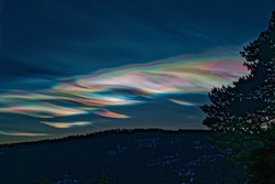 Mother-of-pearl cloud in Norway 260