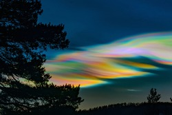 Mother-of-pearl cloud in Norway 245