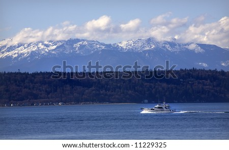 Motor Yacht, Puget Sound, Edmonds, Washington, snow, snowy, Olympic, Mountains, Snohomish, County