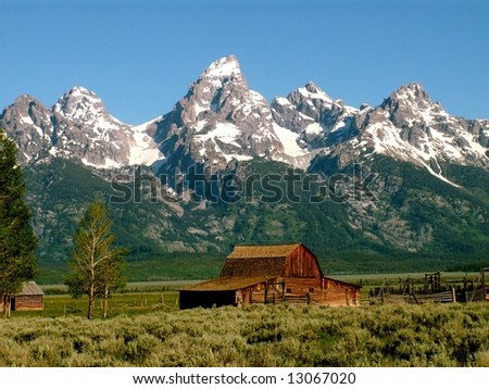 Moulton Barn below the Grand Tetons