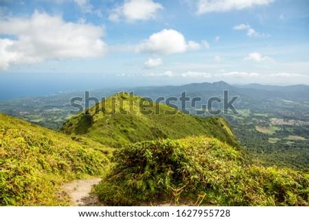 Mount Pelee green volcano hillside panorama, Martinique,  French overseas department Foto stock ©