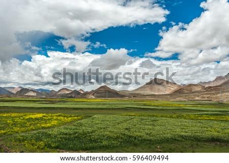 Mount Qomolangma scenic highway