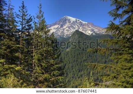 Mount Rainier located in Washington State