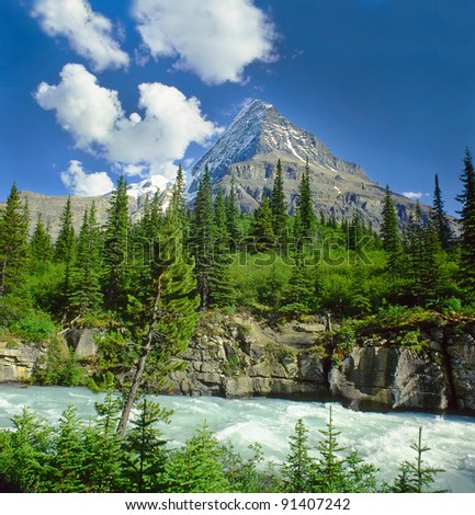Mount Robson, Canadian Rocky Mountain Parks - UNESCO World Heritage Site