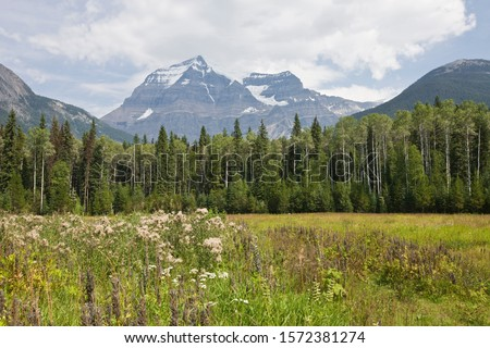 Mount Robson, Rocky Mountains, British Columbia, Canada