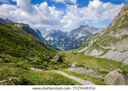 Mountain and hiking path landscape in Pralognan la Vanoise national park. French alps Photo stock ©