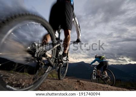 Mountain-bike - Mountain biking by night