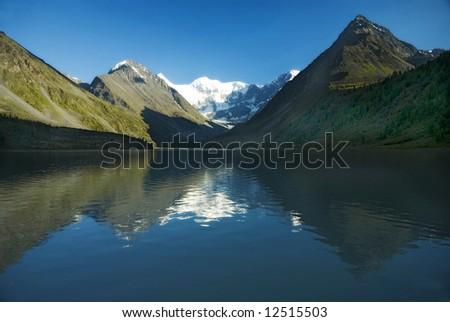 Mountain lake Ak-kem, Belukha 4506m, Altai