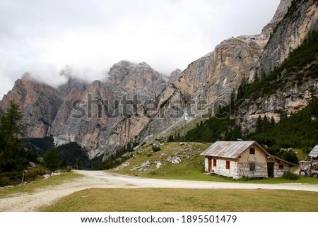 Mountain scenery near 'Rifugio Scotoni', Puez-Geisler Nature Park, Italian Dolomites Foto d'archivio ©