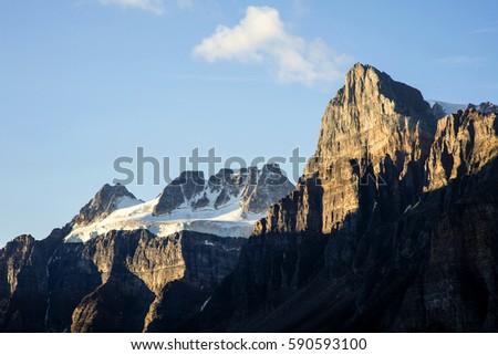 Mountain Summit #590593100
