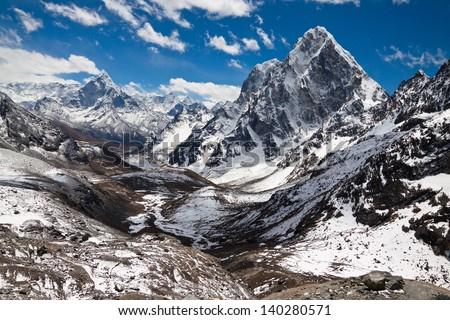 Mountains Ama Dablam, Cholatse, Tabuche Peak. Trek to Everest base camp. Himalayas. Nepal