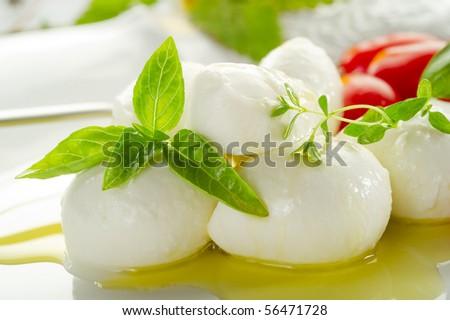 mozzarella and olive oil