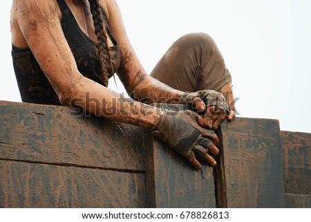 Mud race runners #678826813