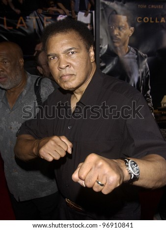 MUHAMMAD ALI at the world premiere, in Los Angeles, of Collateral. August 2, 2004  Paul Smith / Featureflash