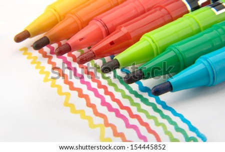 Multicolored Felt Tip Pens with colour lines