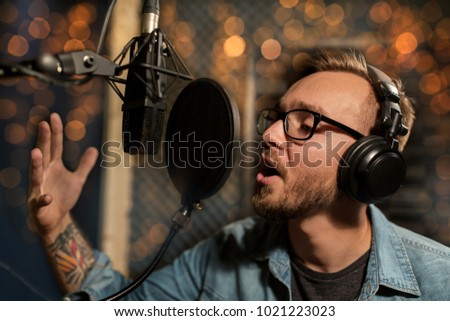 Earphones with microphone singing - headphones with microphone recording