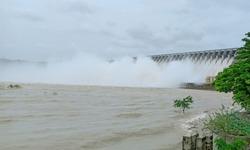 Nagarjuna Sagar dam all gates opened view