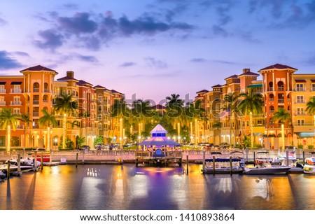 Naples, Florida, USA downtown skyline at dusk. Stock fotó ©