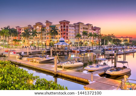 Naples, Florida, USA town skyline on the water at dawn. Stock fotó ©