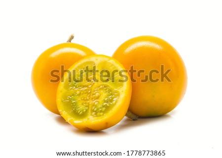Naranjilla fondo blanco lulo tropical Foto stock ©