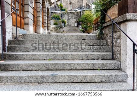 Narrow Old Town Street with Stairs, Geneva, Switzerland - image Photo stock ©