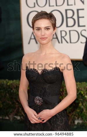 NATALIE PORTMAN at the 63rd Annual Golden Globe Awards at the Beverly Hilton Hotel. January 16, 2006  Beverly Hills, CA  2006 Paul Smith / Featureflash