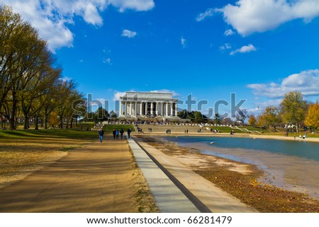 National Mall in Washington D.C. : The Obelisk, the Smithsonian and the Lincoln memorial