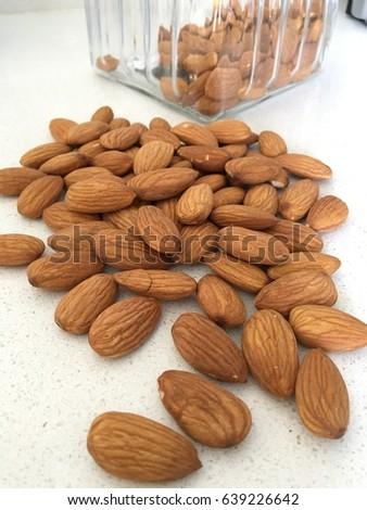 Naturel almond Stok fotoğraf ©